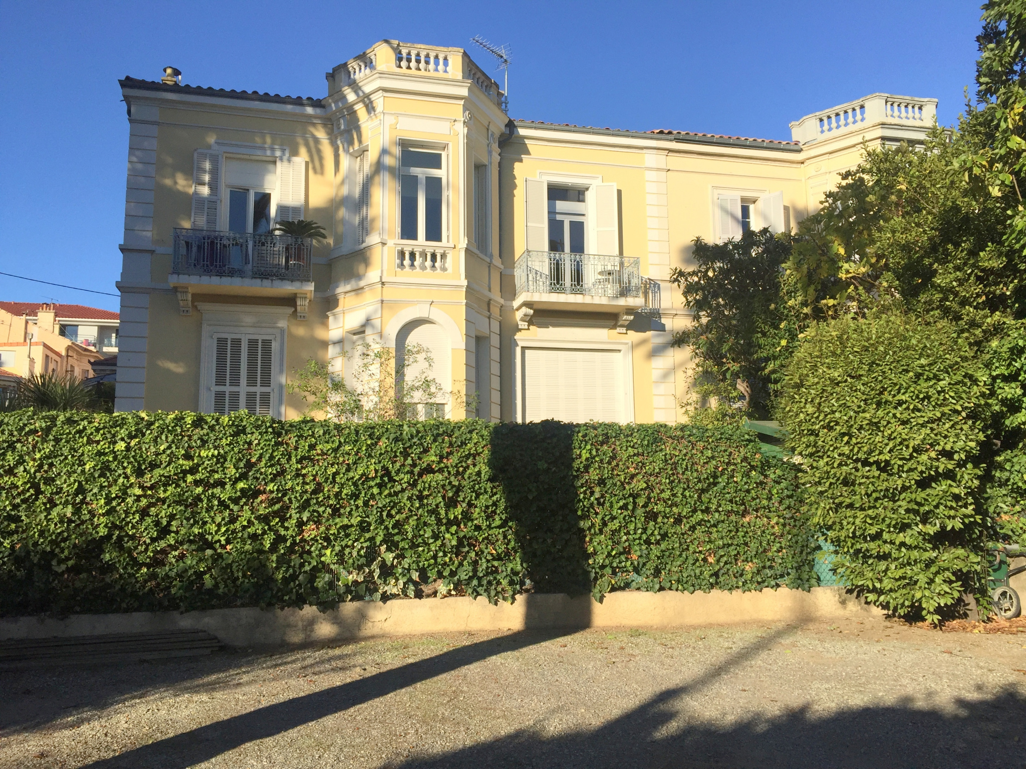 Agencia immobilier agence immobili re cannes et le for Location achat immobilier