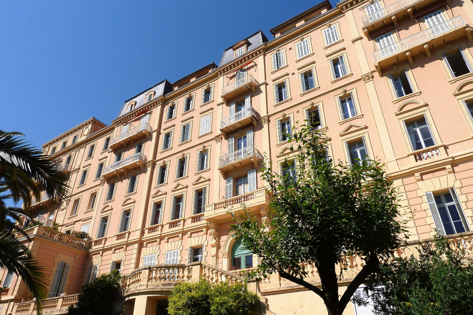 Agencia immobilier agence immobili re cannes et le for Locations agences immobilieres